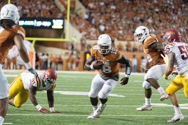 Quarterback Tyrone Swoopes had 421 all-purpose yards as he lead the Longhorns to victory over Iowa State (Photo: Jesse Drohen).