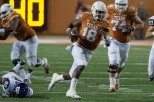Football_Tyrone_Swoopes_1