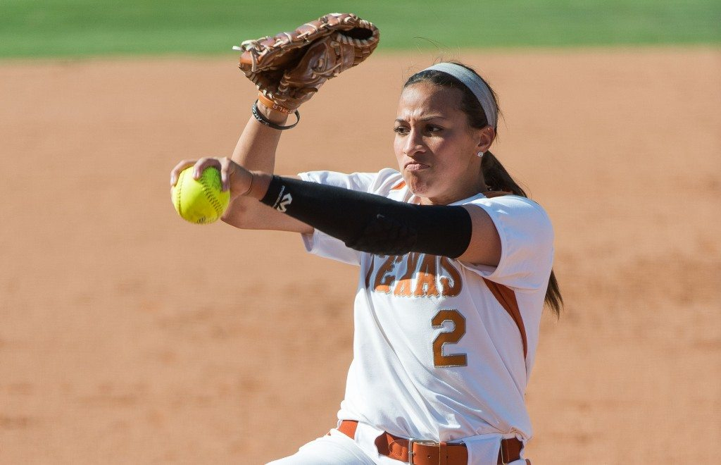 Tiarra Davis pitches against Oklahoma State on Fri April 25, 2014. (photo: Jesse Drohen)