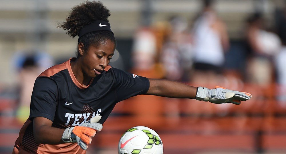 Senior Abby Smith recorded her 30th career shutout, setting a new Texas career record (photo courtesy of texassports.com).
