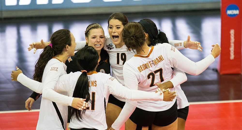 The University of Texas volleyball team improved to 5-1 with a straight-sets victory over Miami (photo courtesy of texassports.com).