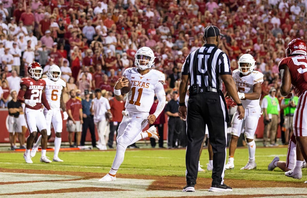 Casey Thompson scores against Arkansas